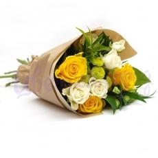 """Букет """"Розы с хризантемой"""""""